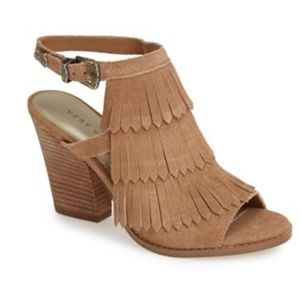 Very Volatile IDEA Tan Size 9 Fringe Booties